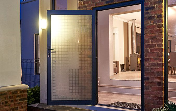single hinge aluminium door